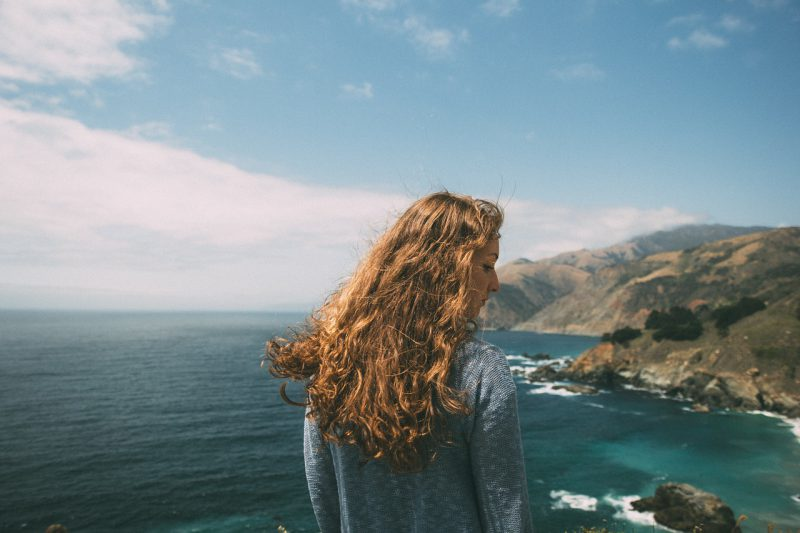 Włosy mieszane – prawidłowa pielęgnacja.