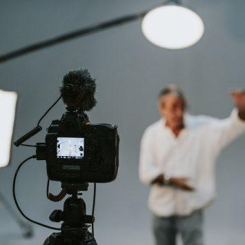 Co powinno znaleźć się w studiu fotograficznym na wynajem?